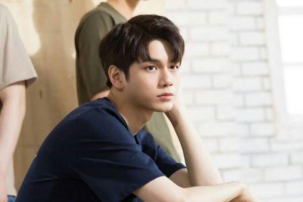 """Ong Seong Woo (Wanna One) đóng vai chính trong phim """"18 Moments"""" 1"""