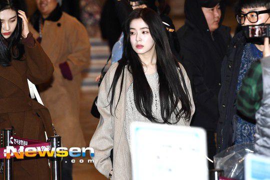 Sân bay Incheon ngày 11/1: Cuộc đổ bộ của Irene, Taeyeon, Dara và BTS 1