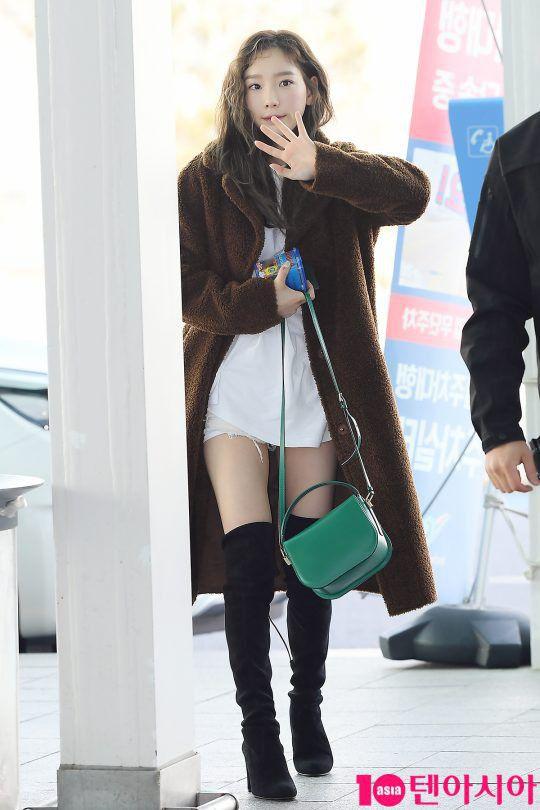 Sân bay Incheon ngày 11/1: Cuộc đổ bộ của Irene, Taeyeon, Dara và BTS 10