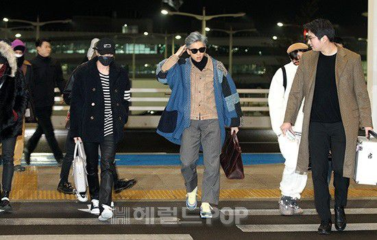 Sân bay Incheon ngày 11/1: Cuộc đổ bộ của Irene, Taeyeon, Dara và BTS 17