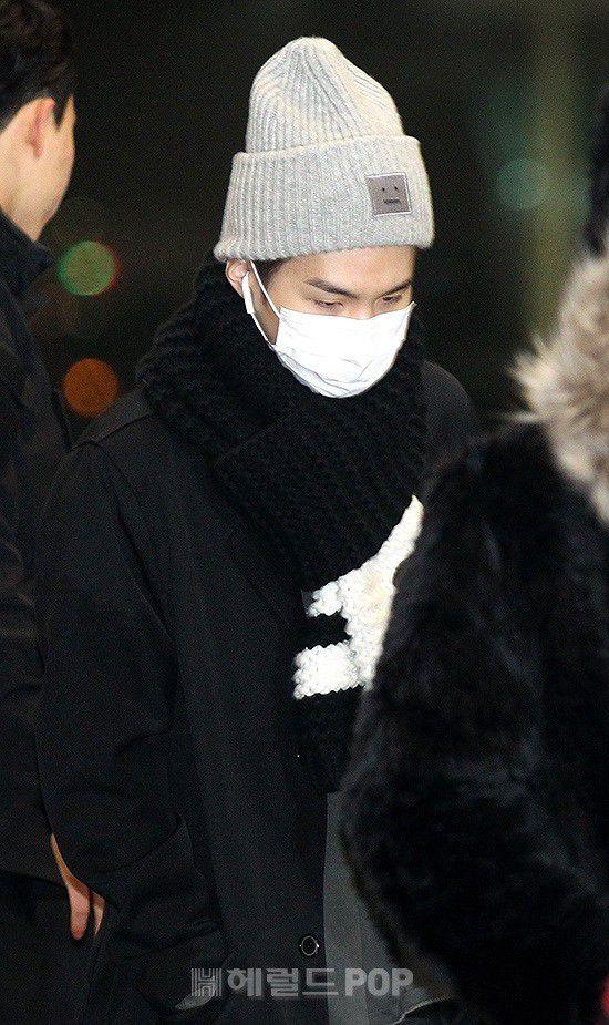 Sân bay Incheon ngày 11/1: Cuộc đổ bộ của Irene, Taeyeon, Dara và BTS 25