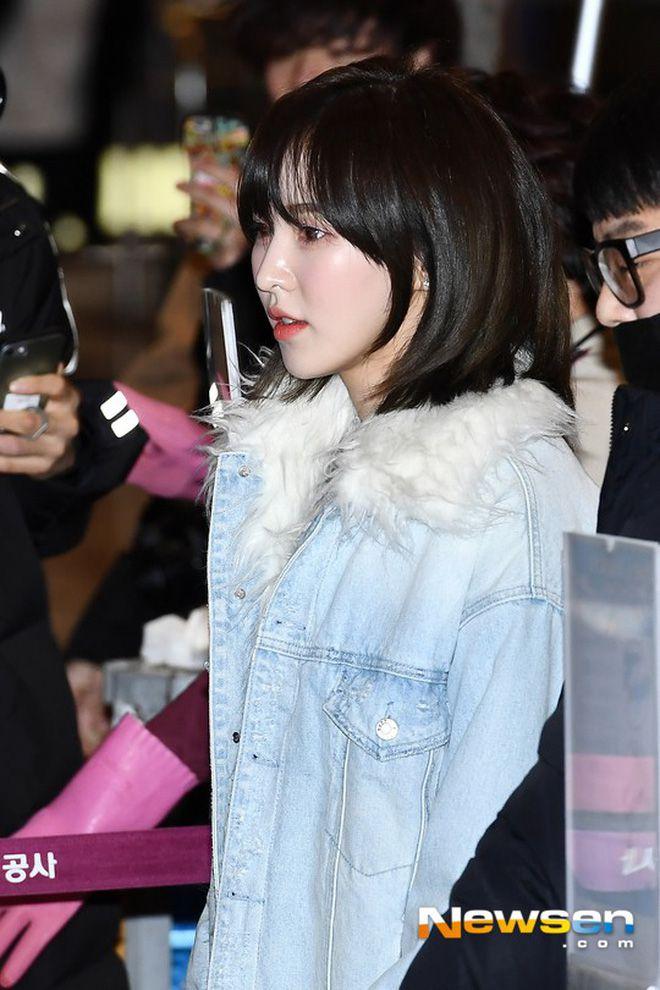 Sân bay Incheon ngày 11/1: Cuộc đổ bộ của Irene, Taeyeon, Dara và BTS 7