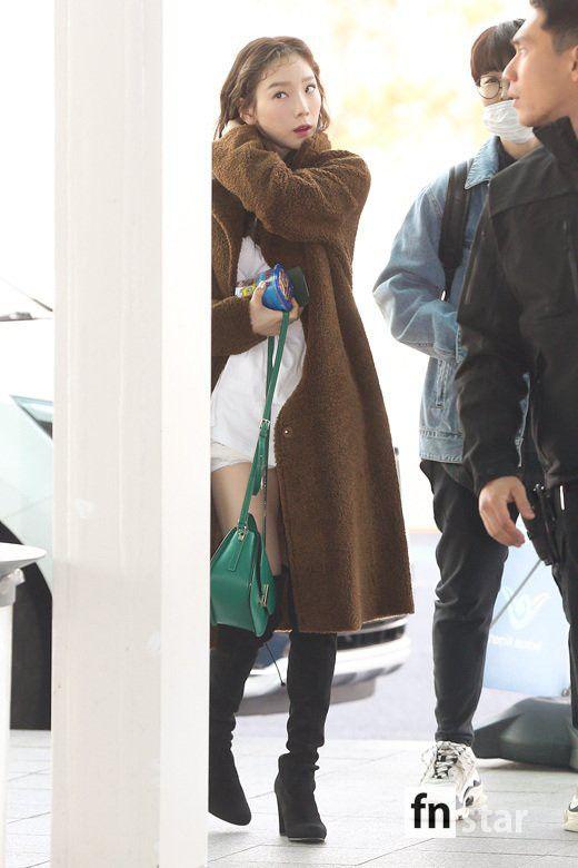 Sân bay Incheon ngày 11/1: Cuộc đổ bộ của Irene, Taeyeon, Dara và BTS 9