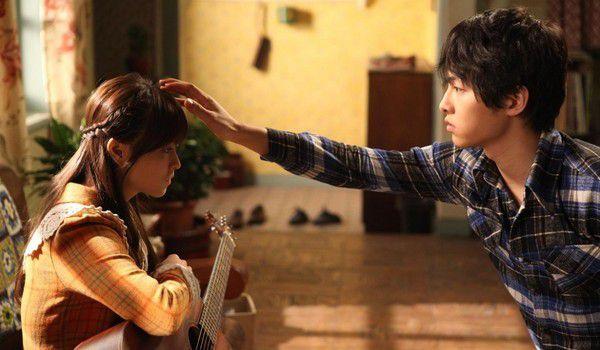 """Song Joong Ki tham gia bom tấn """"Lightning Ship"""" còn Kim Tae Ri đang cân nhắc 3"""