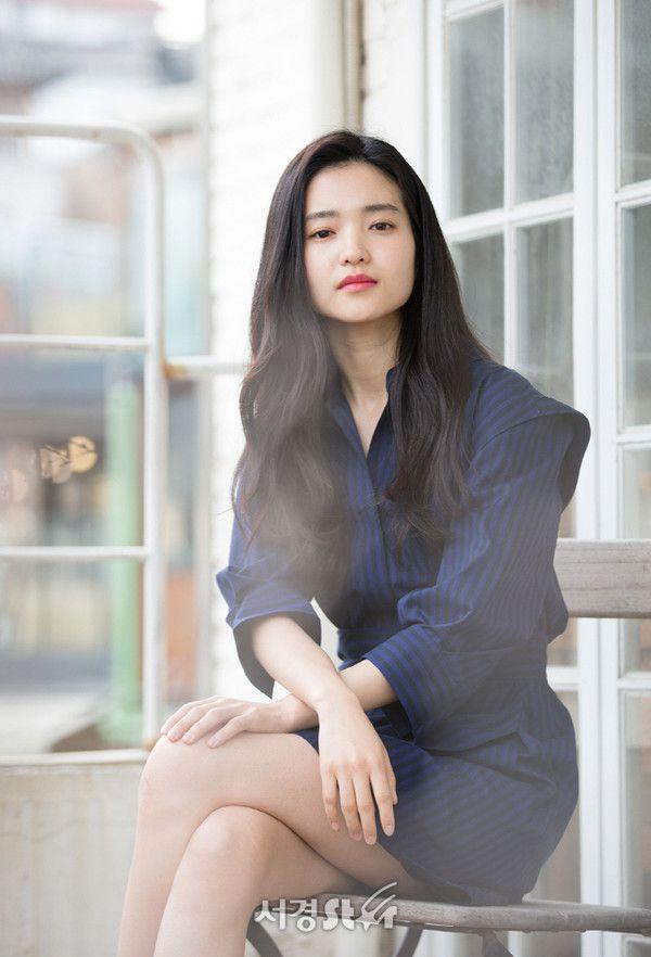 """Song Joong Ki tham gia bom tấn """"Lightning Ship"""" còn Kim Tae Ri đang cân nhắc 7"""