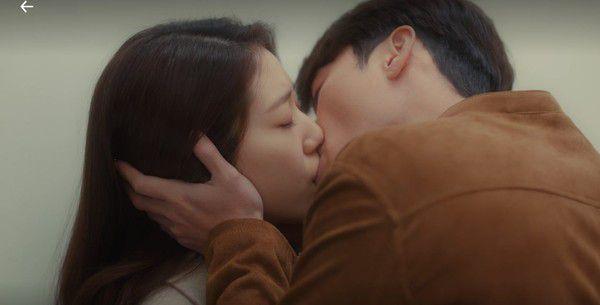 """Tập 14, rating của """"Memories of the Alhambra"""" tăng vọt nhờ vào cảnh hôn 3"""