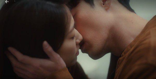 """Tập 14, rating của """"Memories of the Alhambra"""" tăng vọt nhờ vào cảnh hôn 4"""