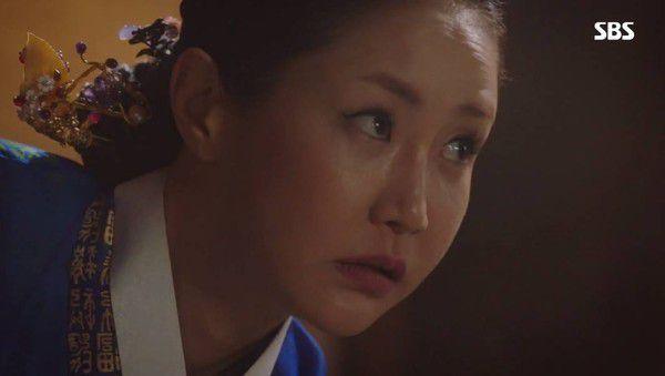 """Tập gần cuối 'SKY Castle' và """"Hoàng Hậu Cuối Cùng"""" dính phải Scandal 2"""