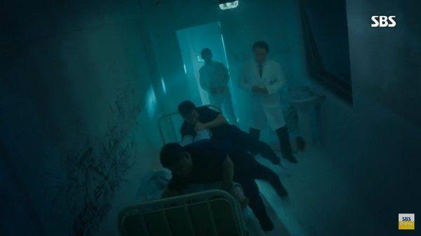 """Tập gần cuối 'SKY Castle' và """"Hoàng Hậu Cuối Cùng"""" dính phải Scandal 4"""