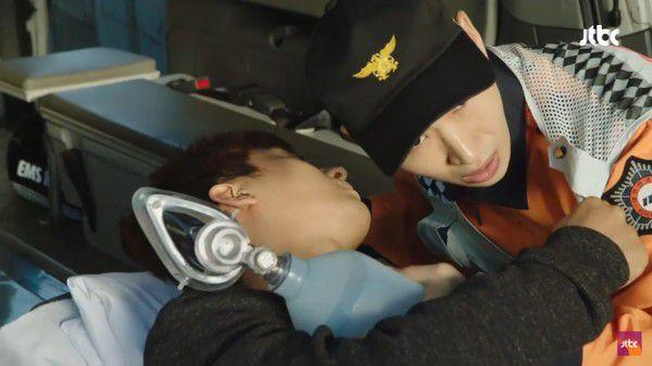 """""""Dazzling"""" tập 1: Khán giả khen ngợi Han Ji Min và Nam Joo Hyuk hết lời 12"""