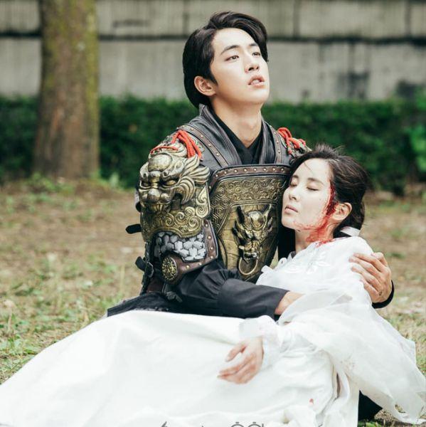"""""""Dazzling"""" tập 3: Nam Joo Hyuk diễn thần sầu cảnh """"đau khổ"""" tốt hơn hẳn 1"""