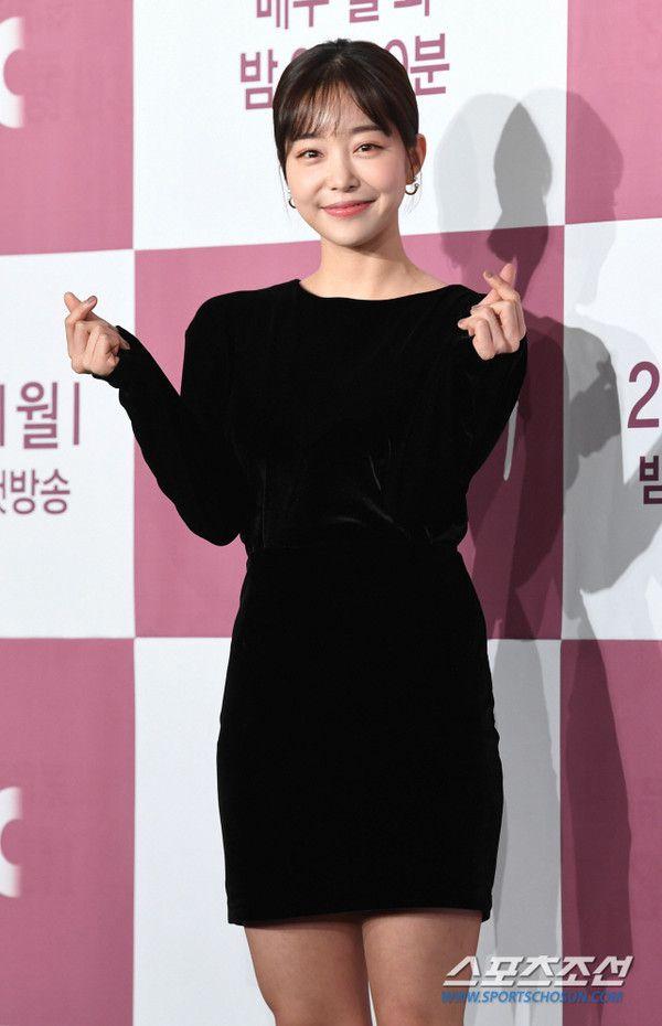 """Họp báo """"Dazzling"""": Sự chênh lệch chiều cao đáng yêu giữa Han Ji Min và Nam Joo Hyuk 14"""