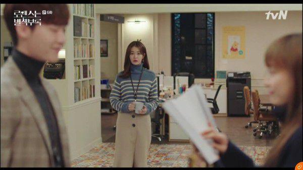 """""""Phụ Lục Tình Yêu"""" tập 5, 6: Lee Jong Suk ghen tuông và tình tay ba bắt đầu 21"""