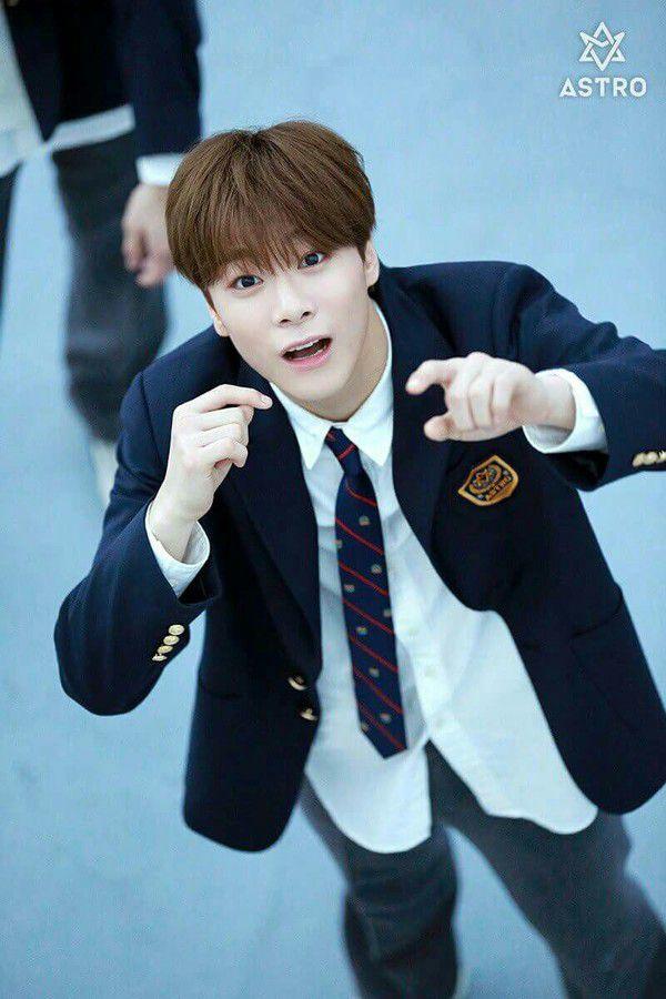 """18 Moments"": Moonbin (ASTRO) sẽ tham gia cùng Ong Seong Woo 1"