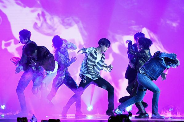 Big Hit đã xác nhận: BTS sẽ chính thức comeback vào giữa tháng 4 rồi!3