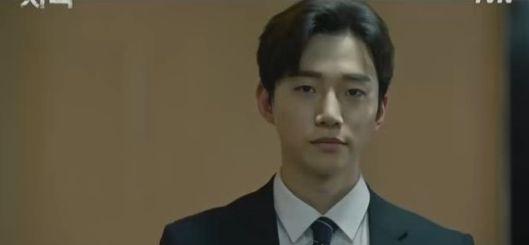 """Phim mới """"Confession/Lời Thú Tội"""" của Junho nhận được cơn mưa lời khen 2"""