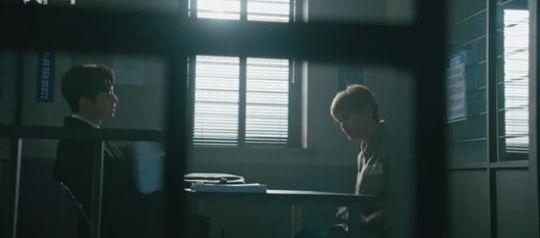 """Phim mới """"Confession/Lời Thú Tội"""" của Junho nhận được cơn mưa lời khen 3"""
