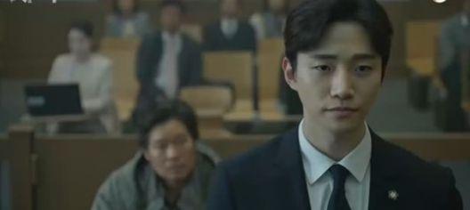 """Phim mới """"Confession/Lời Thú Tội"""" của Junho nhận được cơn mưa lời khen 4"""