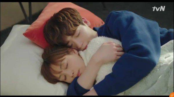 'Phụ Lục Tình Yêu' tập 13, 14: Dani và Eun Ho rất hạnh phúc dù Dani nghỉ việc 17