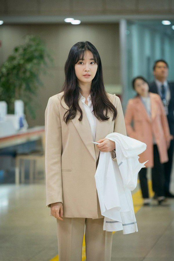 """""""Abyss"""" tung loạt ảnh đẹp cực phẩm của Park Bo Young, Ahn Hyo Seop 22"""