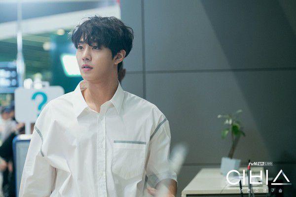 """""""Abyss"""" tung loạt ảnh đẹp cực phẩm của Park Bo Young, Ahn Hyo Seop 7"""