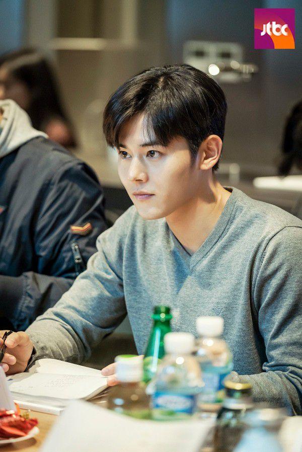"""""""Advisor/Cố Vấn"""" của Lee Jung Jae, Shin Min Ah có buổi đọc kịch bản đầu tiên 5"""