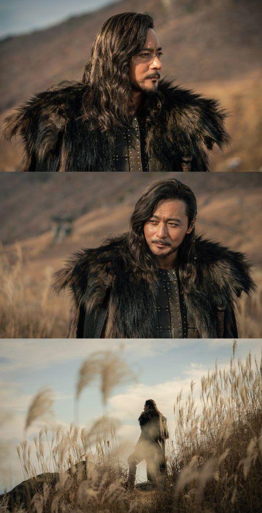"""""""Arthdal Chronicles"""" hé lộ tạo hình mãnh tướng của Jang Dong Gun 2"""