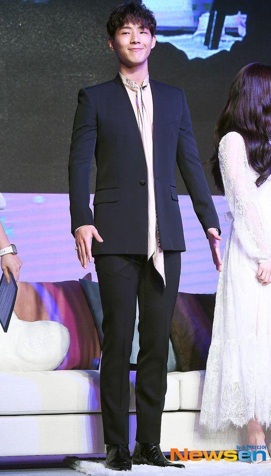 """Họp báo """"My First First Love"""": Chae Yeon, Ji Soo, Kang Tae Oh đẹp thế! 2"""