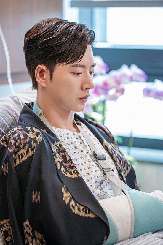 """Phim """"Secret - Bí Mật"""" của Park Hae Jin hé lộ ảnh đẹp đầy mê hoặc 4"""