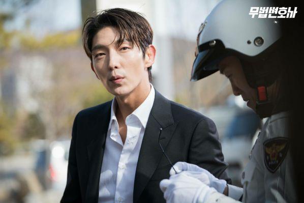 Top phim Hàn Quốc hay đề tài tội phạm và dân anh chị thế giới ngầm 10