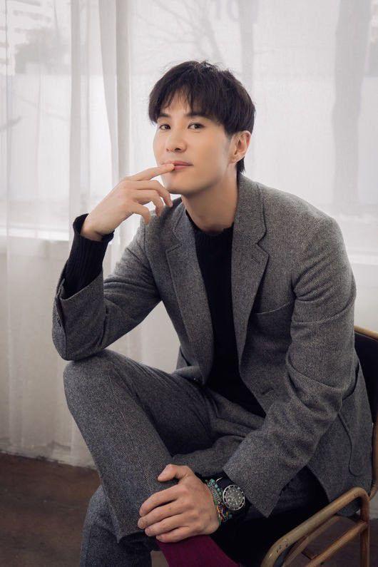 """""""When the Camellia Blooms"""": Gong Hyo Jin đóng cùng mỹ nam nào?1"""