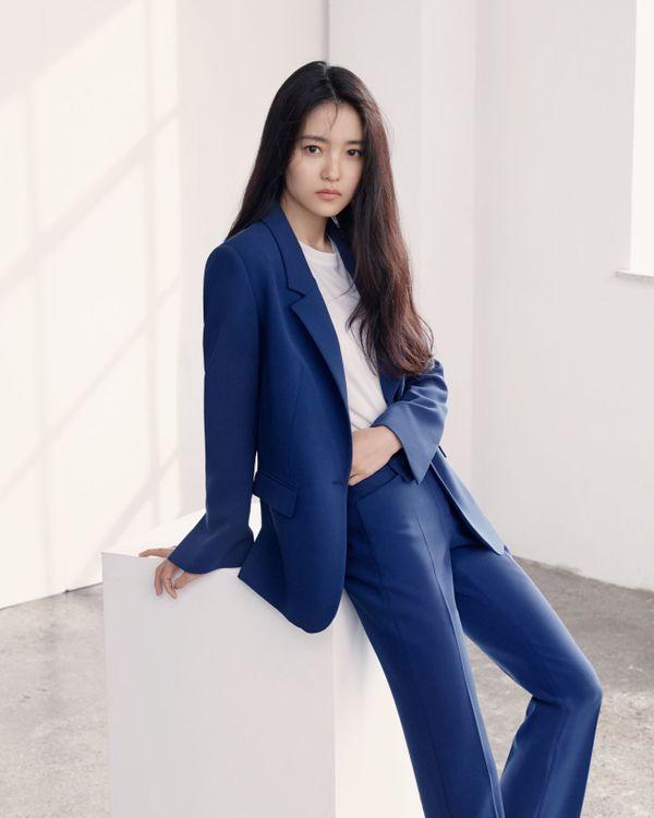 """Ai là nữ chính trong """"The King: The Eternal Monarch"""" cùng Lee Min Ho?4"""