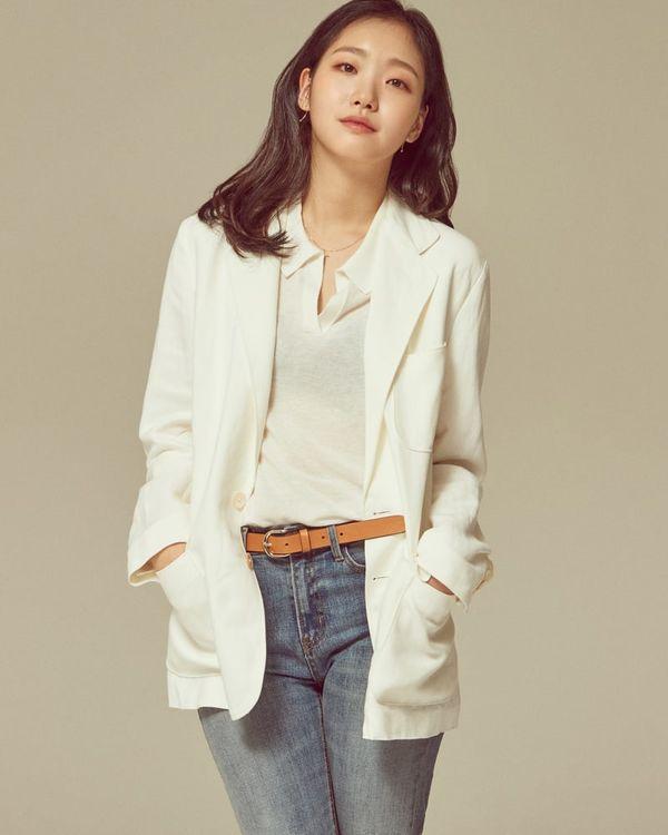 """Ai là nữ chính trong """"The King: The Eternal Monarch"""" cùng Lee Min Ho? 6"""