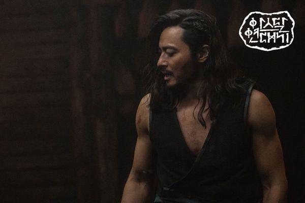 """""""Arthdal Chronicles"""" tung tạo hình nhân vật dũng mãnh của Jang Dong Gun 7"""