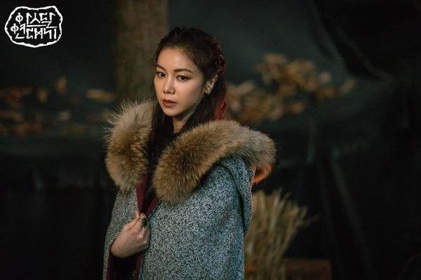"""Bom tấn Hàn Quốc """"Arthdal Chronicles"""" bị tố đạo nhái Game Of Thrones 9"""