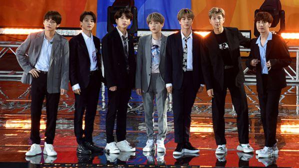 Độ tuổi trung bình của các nhóm nhạc nam Kpop tính đến năm 2019 15