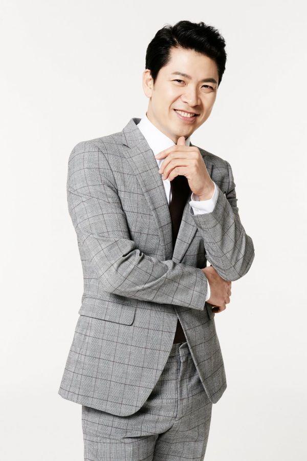 "Lee Hyeri (Girl's Day) đóng cùng Lee Chang Yeop trong ""Miss Lee"" 6"