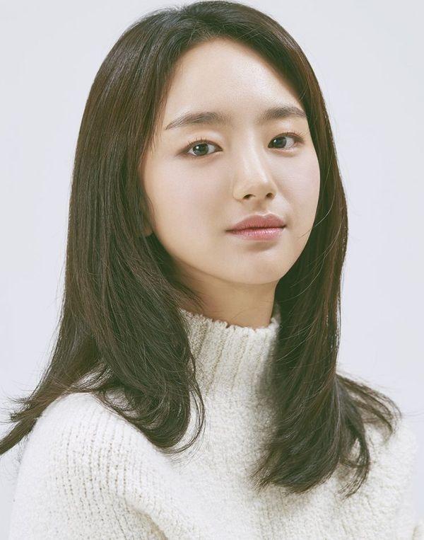 """""""Please Melt Me"""": Yoon Se Ah sẽ đóng mối tình đầu của Ji Chang Wook? 5"""