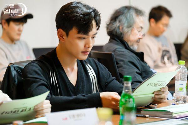"""""""Hotel Del Luna"""" của IU tung Teaser và hình ảnh buổi đọc kịch bản 2"""