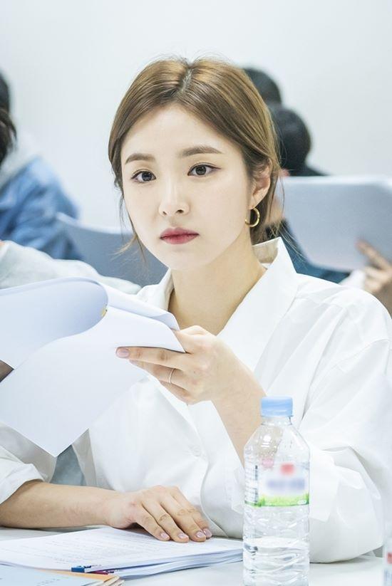 Đọc kịch bản phim, Shin Se Kyung và Cha Eun Woo đẹp tươi rạng ngời 5