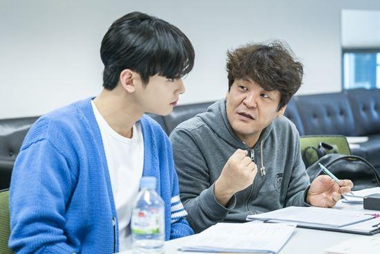 Đọc kịch bản phim, Shin Se Kyung và Cha Eun Woo đẹp tươi rạng ngời 8