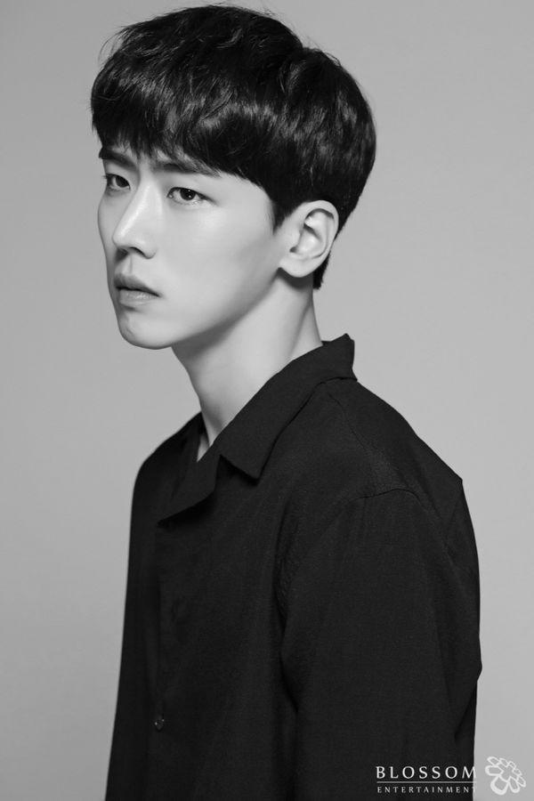 """""""Flower Crew: Joseon Marriage Agency"""" mới kết nạp thêm soái ca 1"""