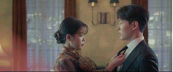 """""""Hotel Del Luna"""" tung Teaser và ảnh mới nhất của IU, Yeo Jin Goo 5"""