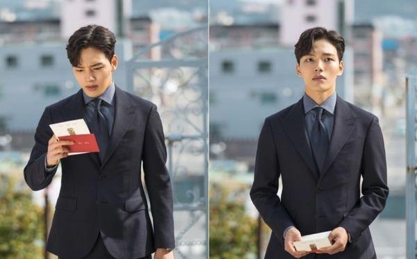 """""""Hotel Del Luna"""" tung Teaser và ảnh mới nhất của IU, Yeo Jin Goo 6"""