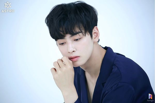 Loạt ảnh đẹp quyến rũ không góc chết của Cha Eun Woo trên tạp chí 30