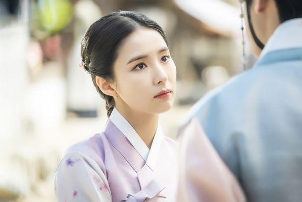 Loạt ảnh đẹp quyến rũ không góc chết của Cha Eun Woo trên tạp chí 32