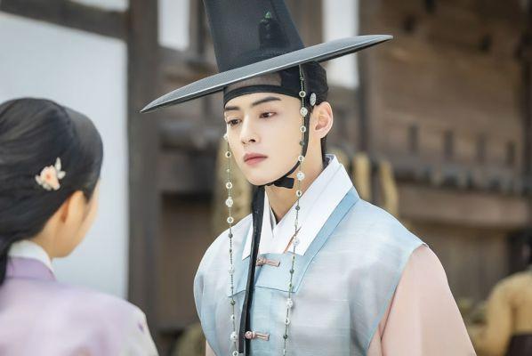 Loạt ảnh đẹp quyến rũ không góc chết của Cha Eun Woo trên tạp chí 33