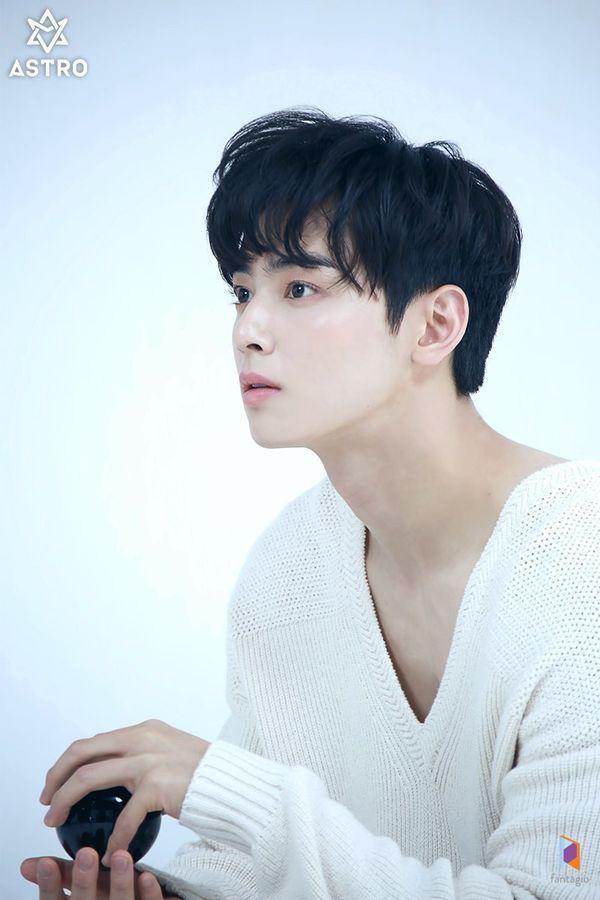 Loạt ảnh đẹp quyến rũ không góc chết của Cha Eun Woo trên tạp chí 5