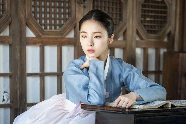 """""""Rookie Historian Goo Hae Ryung"""": Shin Se Kyung là gái """"quá lứa"""" 2"""