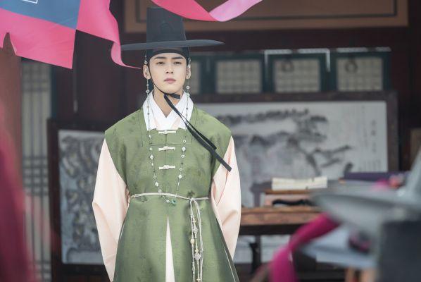 Tạo hình cổ trang của nam idol Hàn: V (BTS), D.O, Cha Eun Woo... bạn thích ai? 17